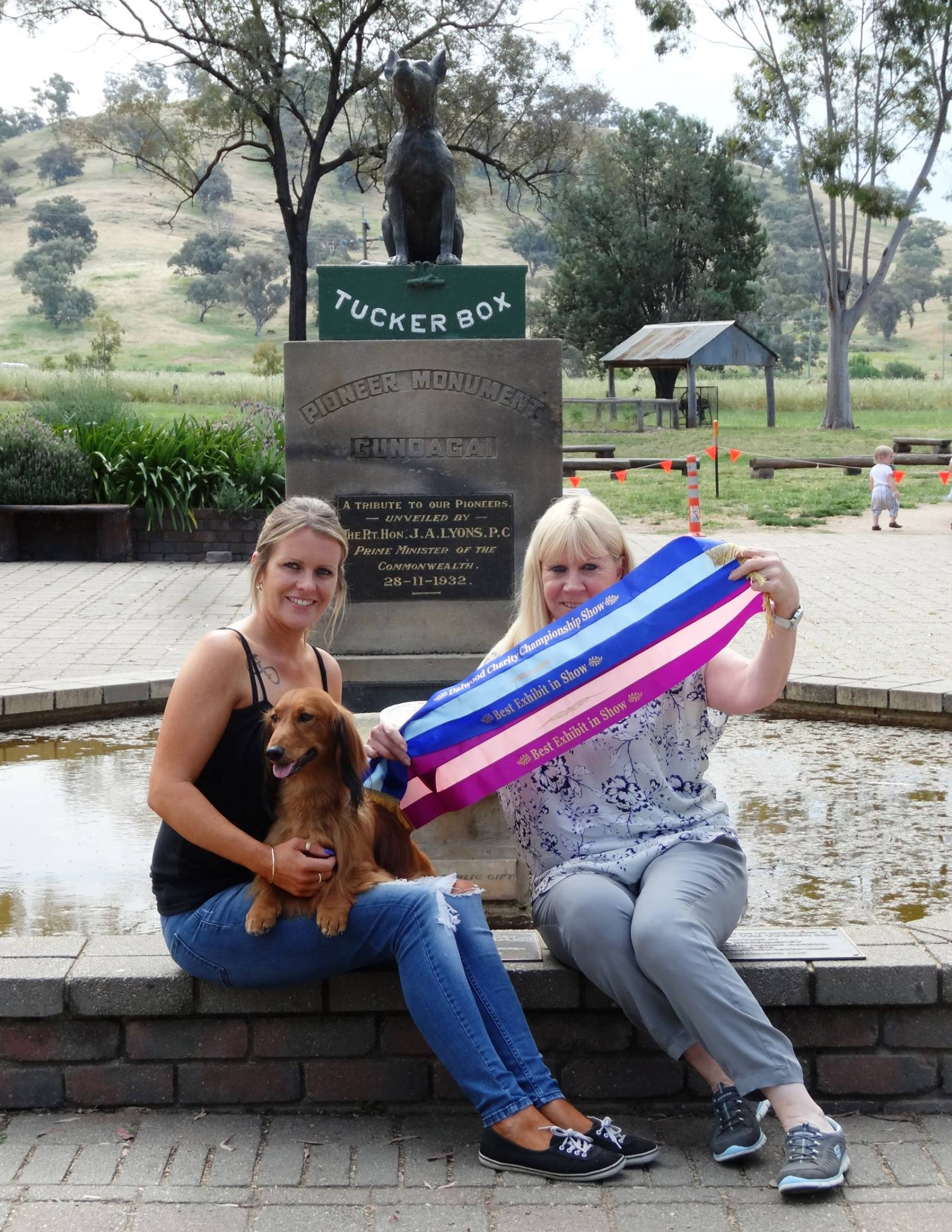 'Jimmy', Meaghan and Sue visiting the Dog on the Tuckerbox in Gundagai, NSW.